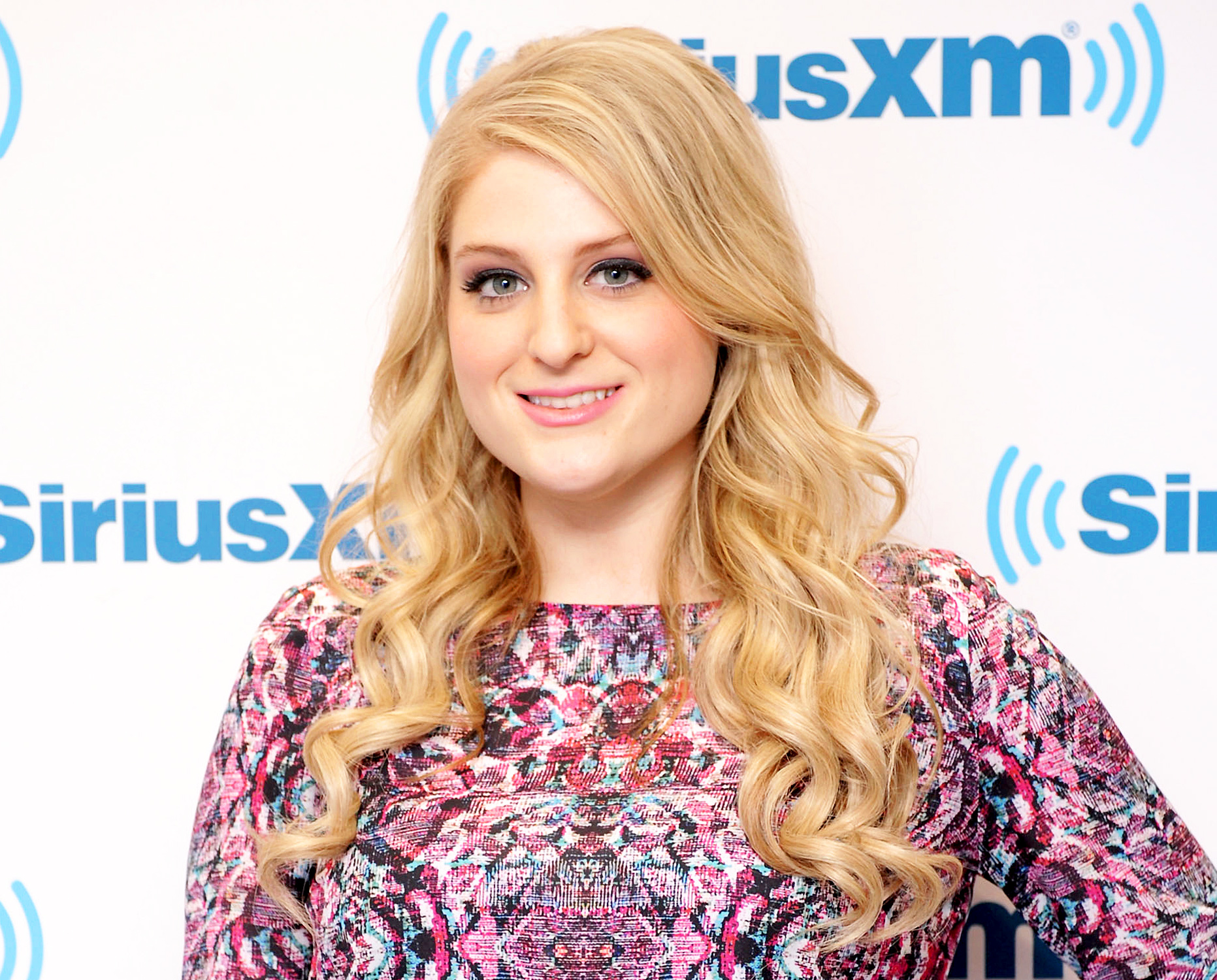 1413389980_455919922_meghan-trainor-zoom